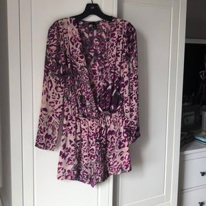 Short Romper with long sleeves